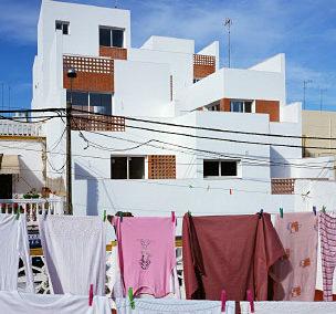 Casa + o –